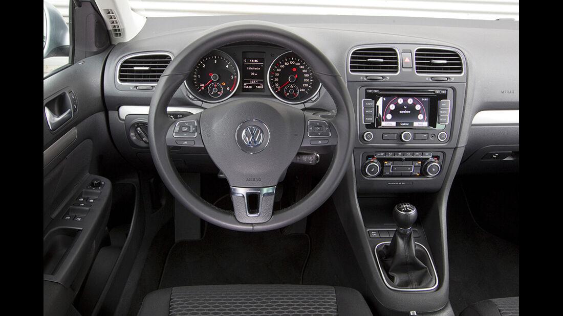 Innenraum von VW Golf Variant