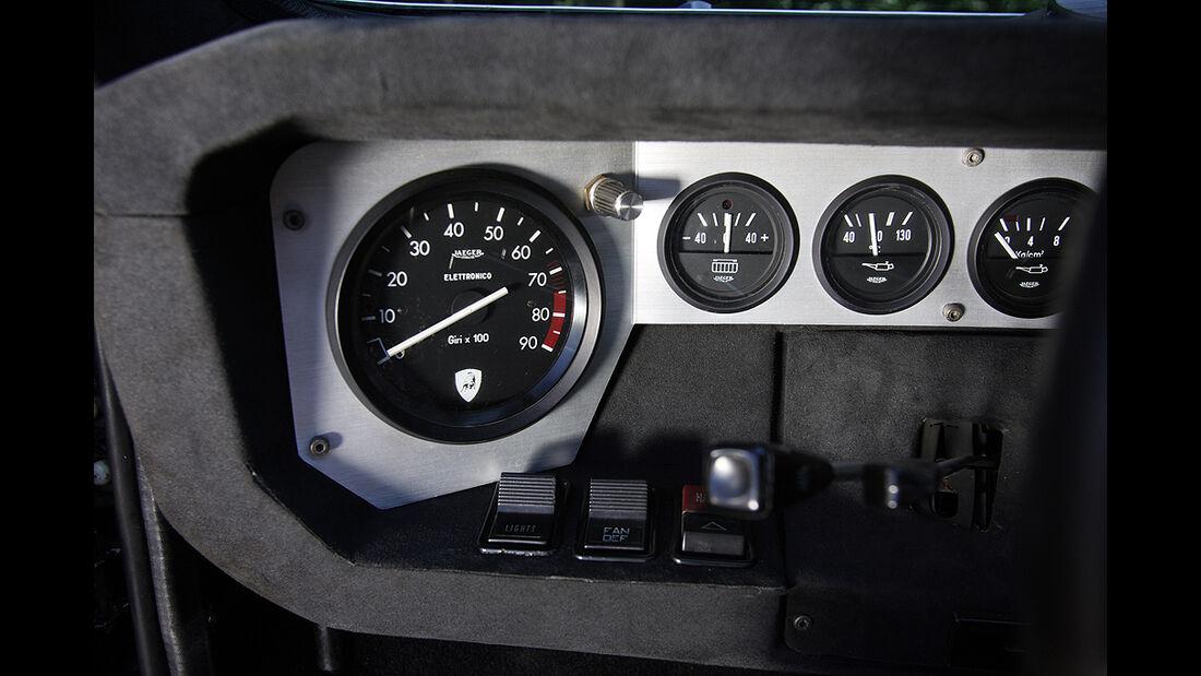 Instrumente des Lamborghini Urraco P 300
