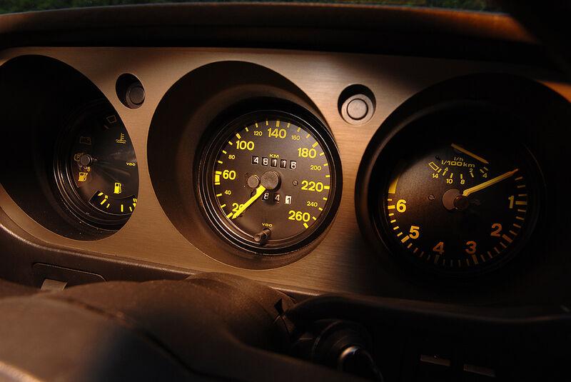 Instrumente des Porsche 944