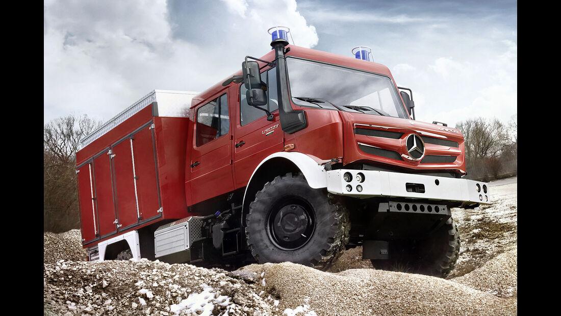 Interschutz 2015: Feuerwehr - Unimog U 5023, hochgeländegängige Mercedes-Benz Unimog für Waldbrand- und Katastropheneinsätze