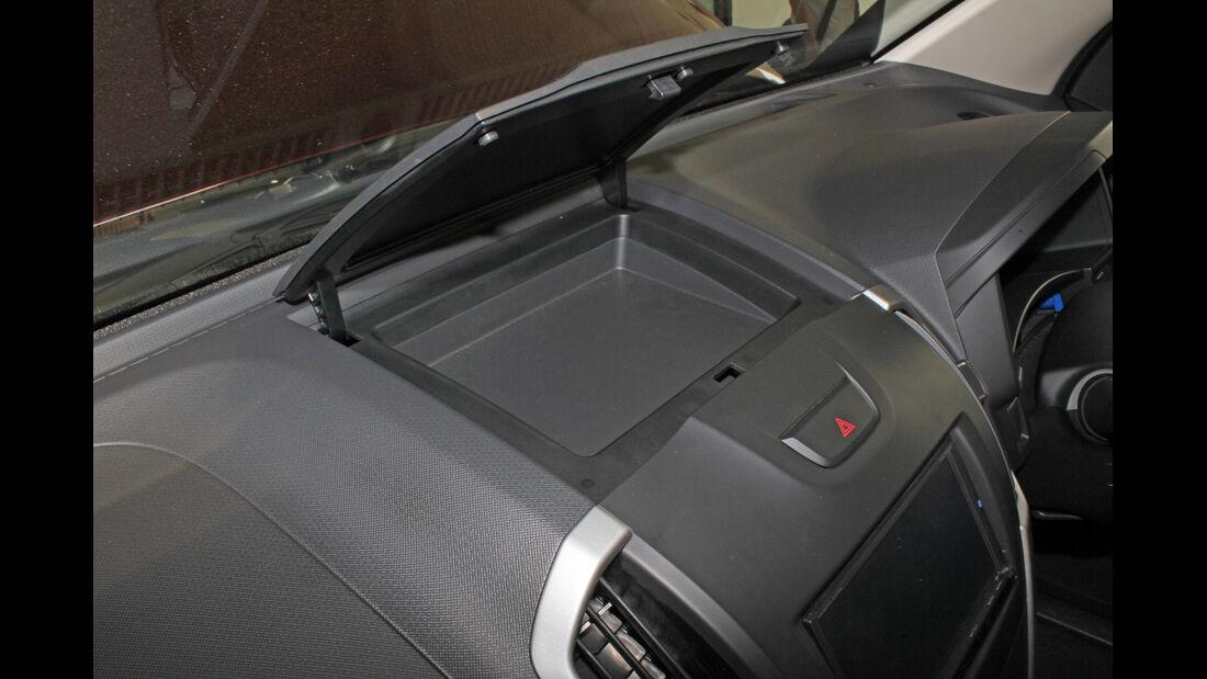 Isuzu D-Max 2,5l Double Cab 4WD, Ablagefach