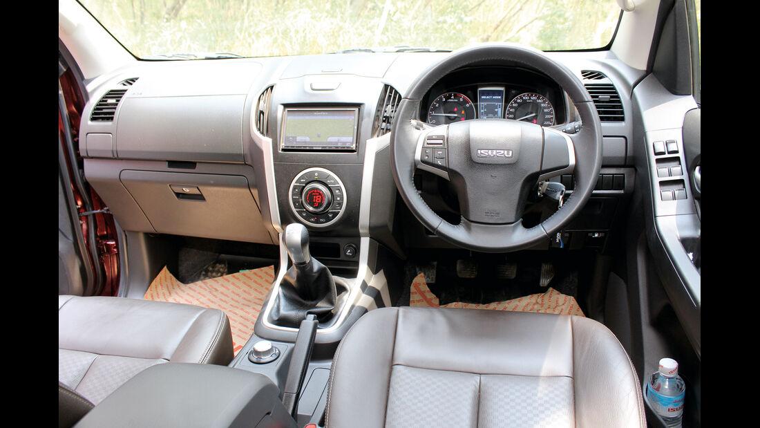 Isuzu D-Max 2,5l Double Cab 4WD, Cockpit, Lenkrad