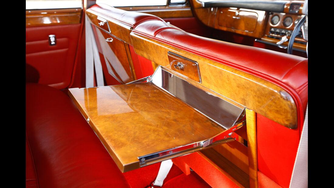 Jaguar  420 G, Klapptisch