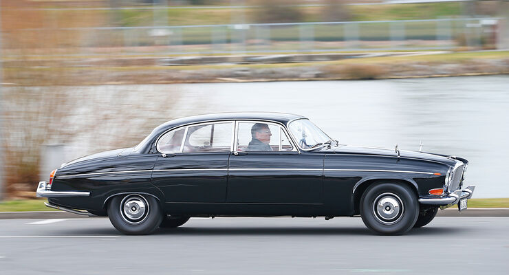 Jaguar  420 G, Seitenansicht