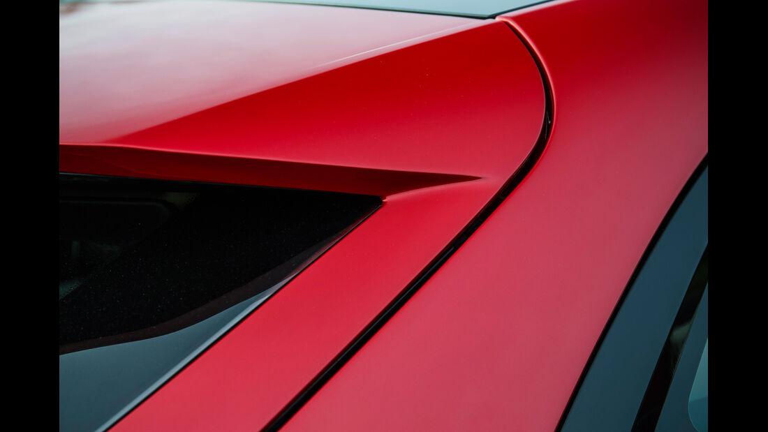 Jaguar C-X17, Dachkante