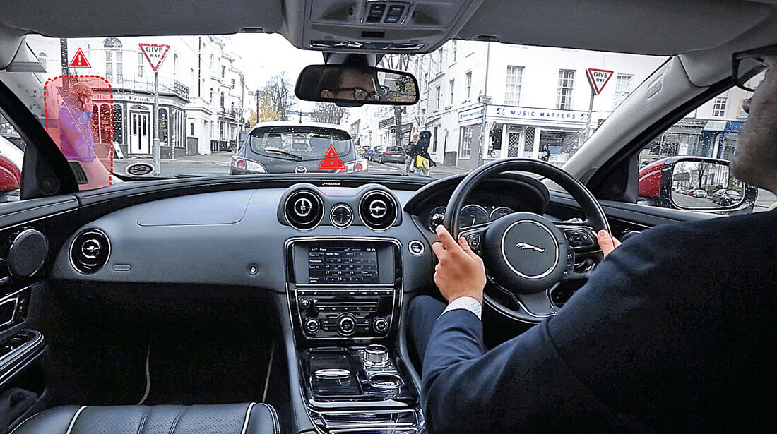 Jaguar, Cockpit