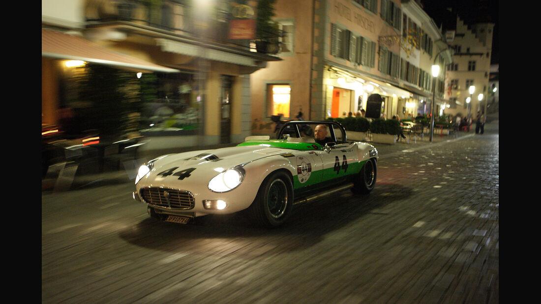 Jaguar E-Type Group 44, Seitenansicht, Nacht