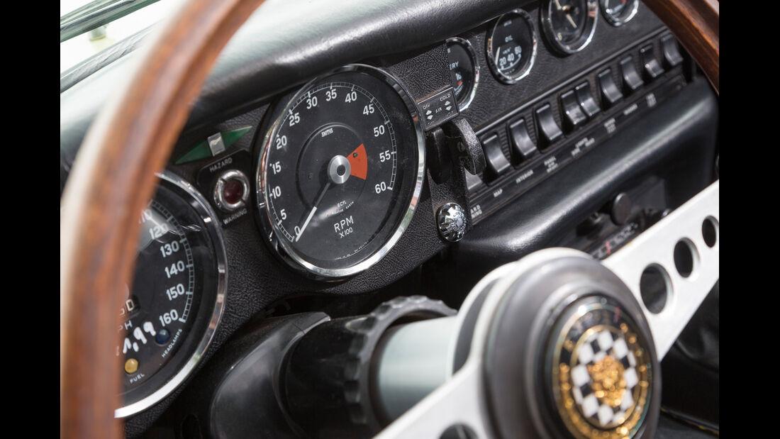 Jaguar E-Type S2, Rundinstrumente