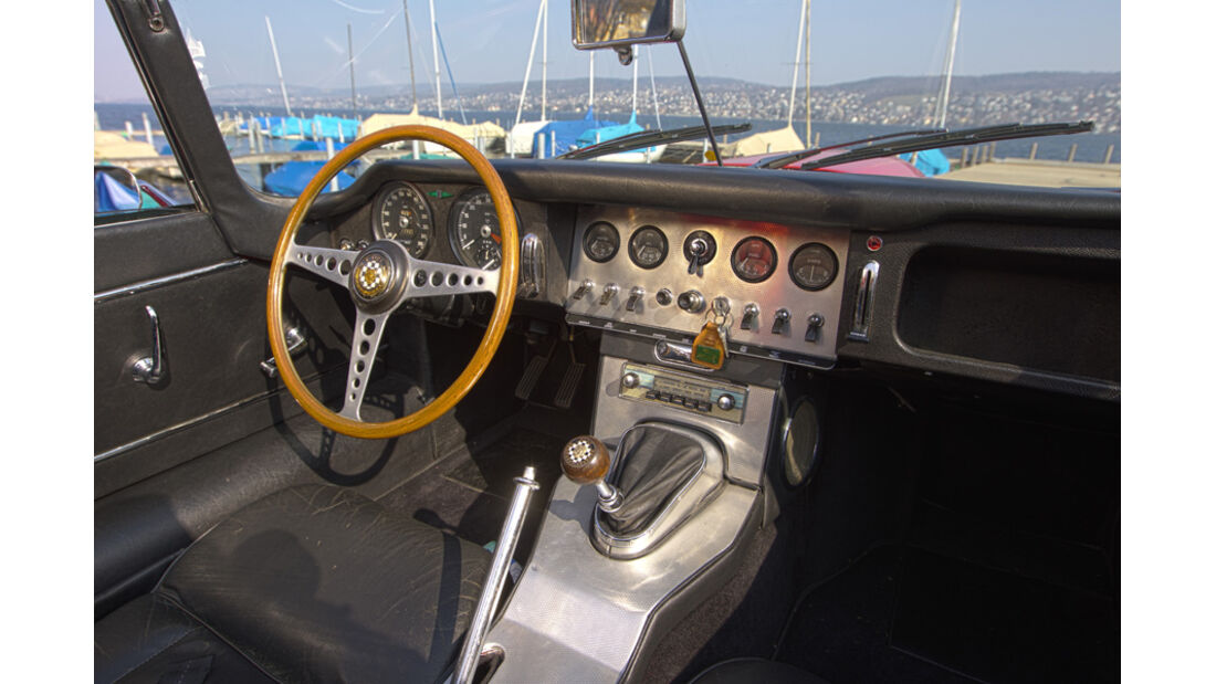 Jaguar E-Type Serie 1, Cockpit, Lenkrad