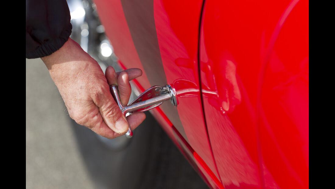 Jaguar E-Type Serie 1, Detail, Öffner