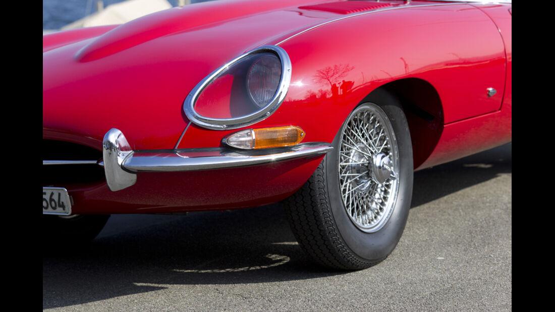 Jaguar E-Type Serie 1, Motorhaube, Scheinwerfer