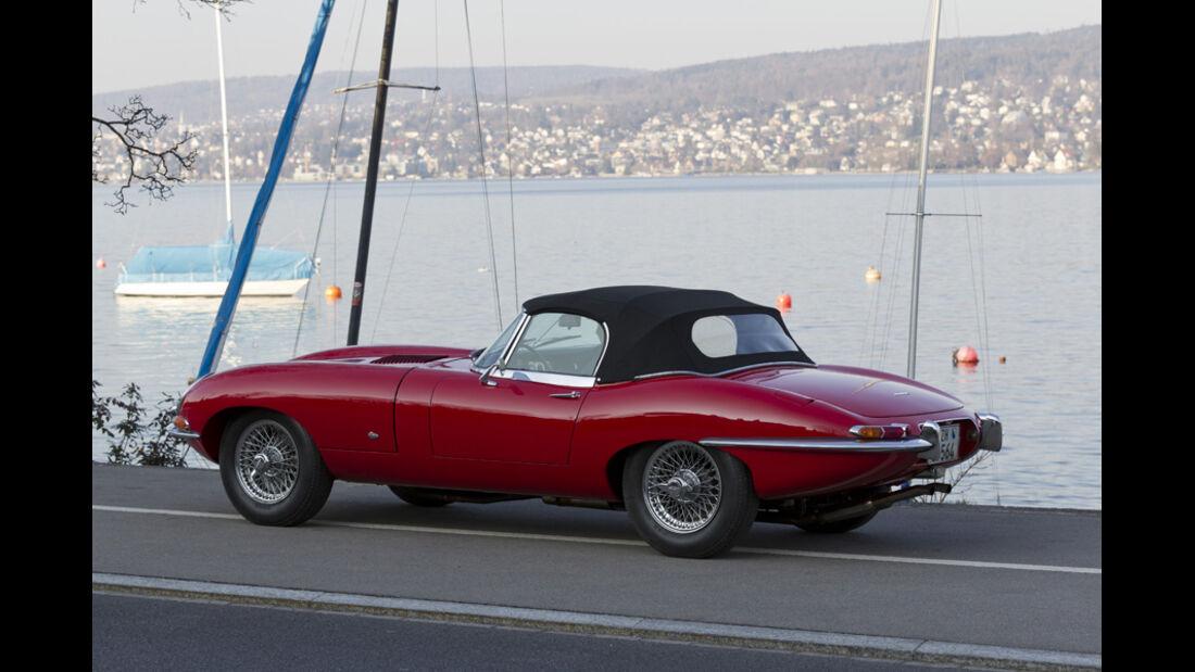 Jaguar E-Type Serie 1, Stand, Hafen, mit Verdeck