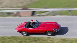 Jaguar E-Type Serie 1, von oben, Fahrt, Landstraße