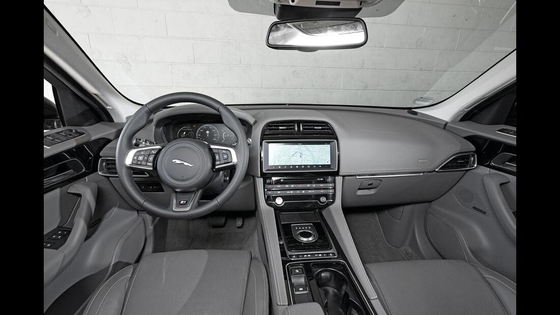 Jaguar F-Pace 30d AWD, Cockpit