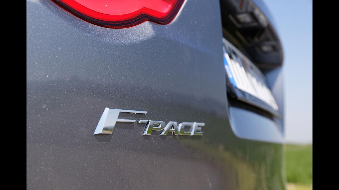 Jaguar F-Pace 30d AWD, Typenbezeichnung
