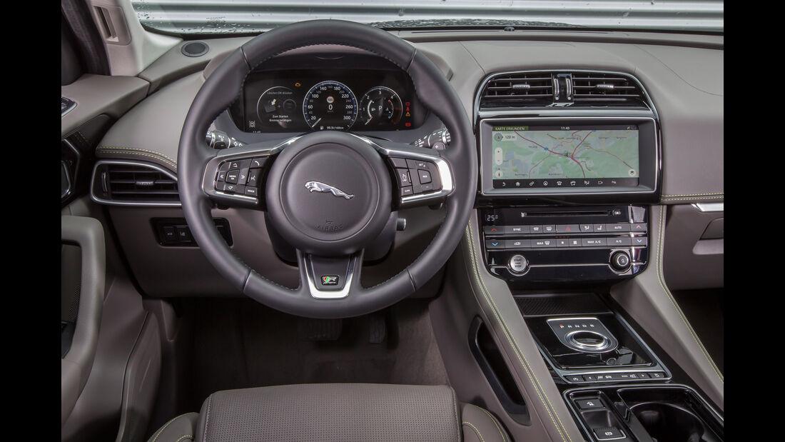 Jaguar F-Pace 30d, Cockpit