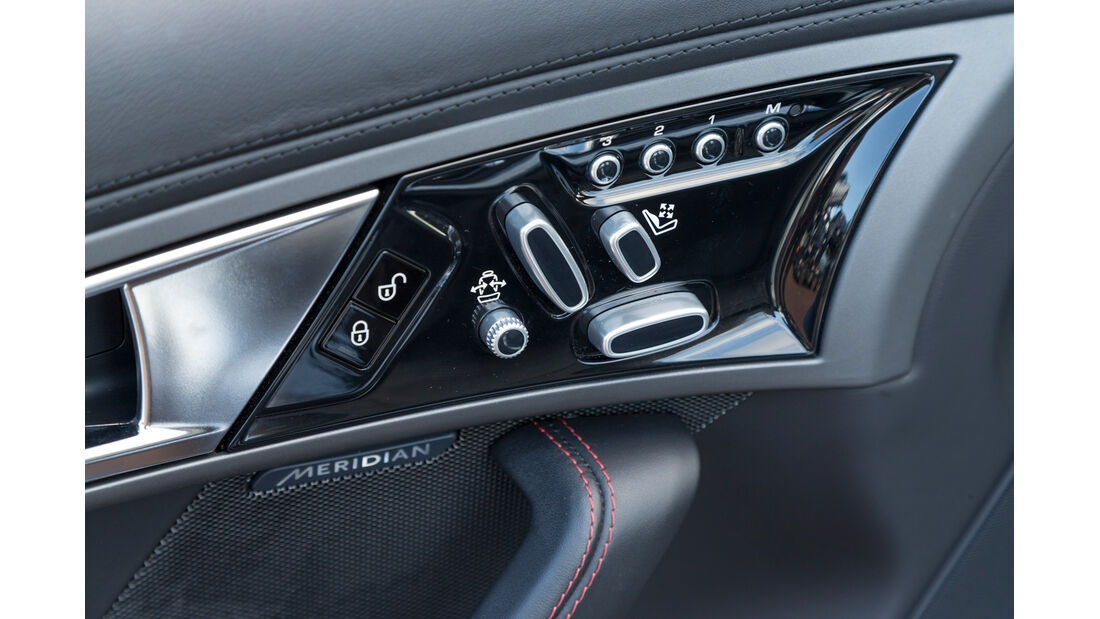 Jaguar F-Type, Bedienelemente