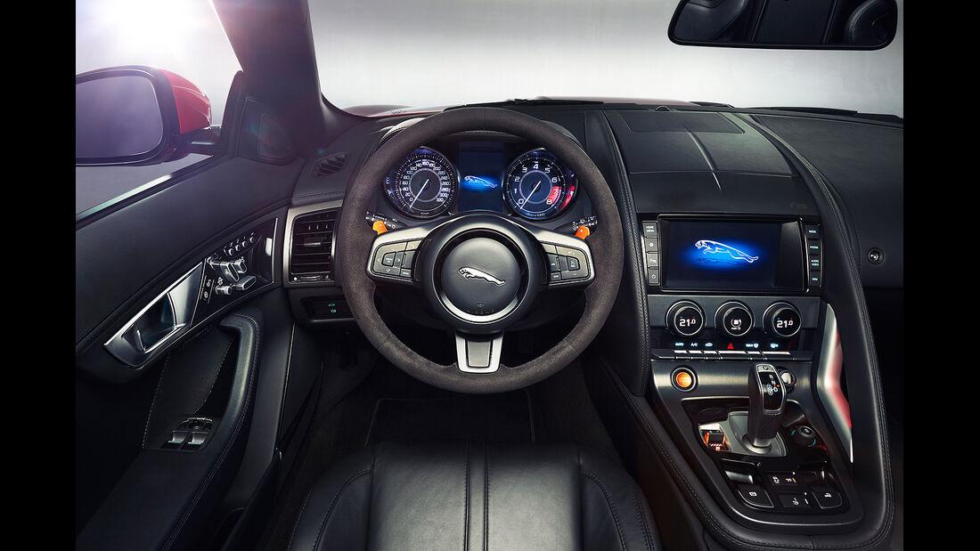 Jaguar F-Type, Cockpit