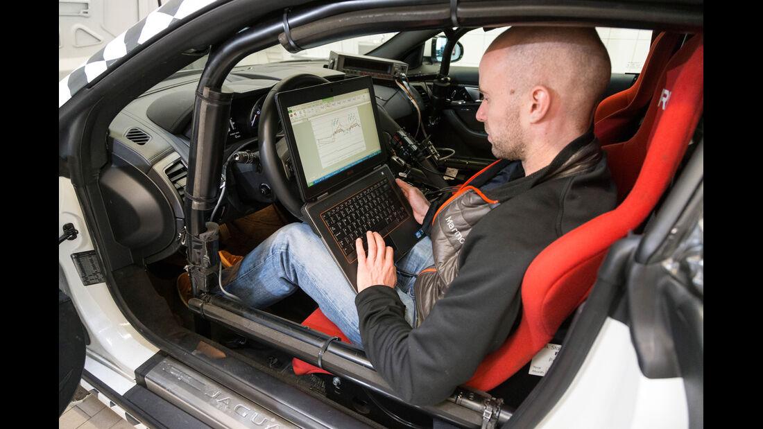 Jaguar F-Type Coupé, Cockpit, Talboys