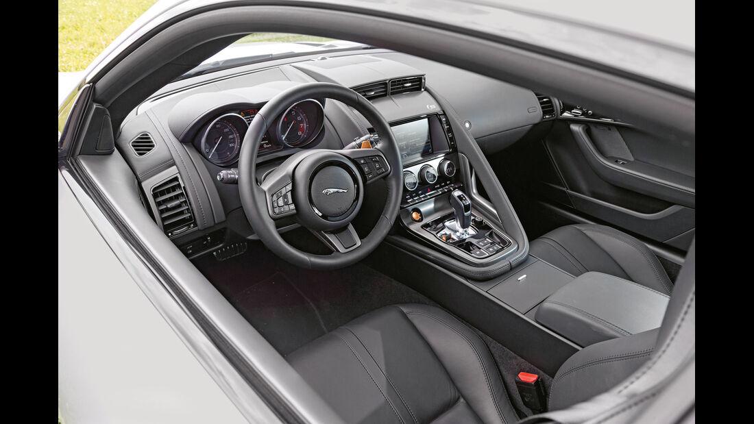 Jaguar F-Type Coupé S, Cockpit