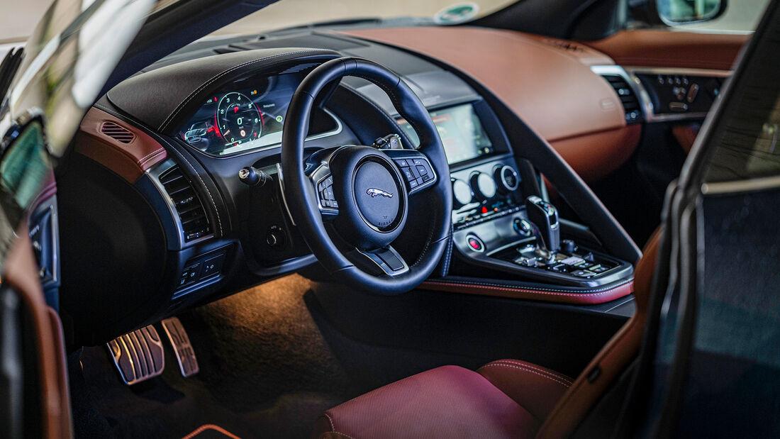 Jaguar F-Type, Interieur