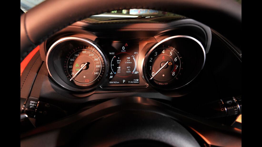 Jaguar F-Type R AWD Coupé, Rundinstrumente
