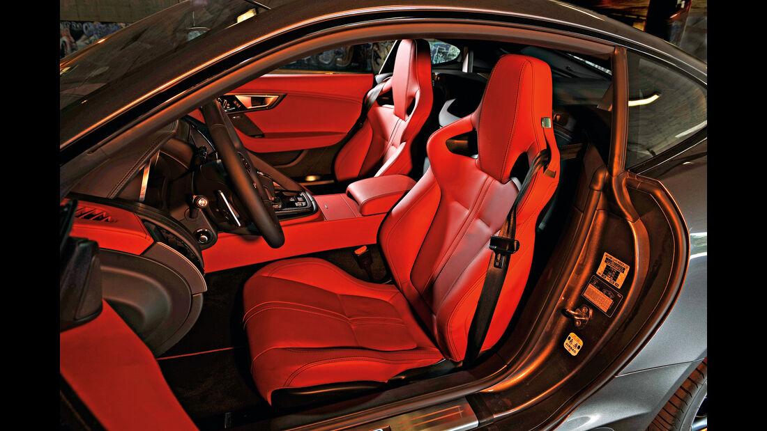 Jaguar F-Type R AWD Coupé, Sitze