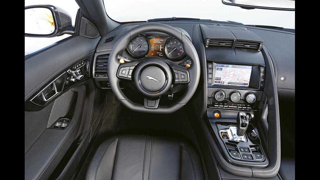 Jaguar F-Type S, Cockpit