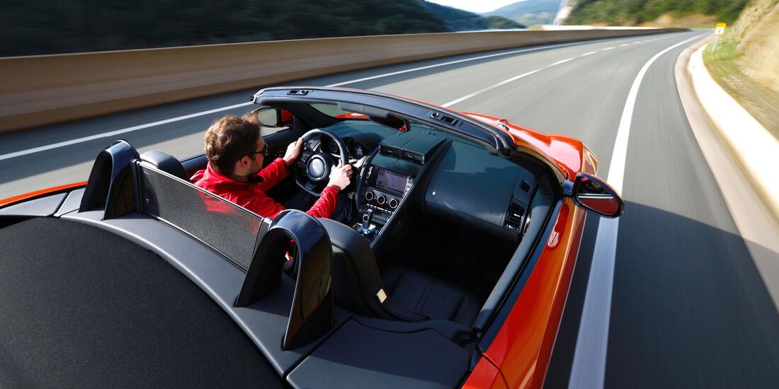 Jaguar F-Type S, Cockpit, Fahrerperspektive