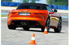 Jaguar F-Type S, Heckansicht, Slalom
