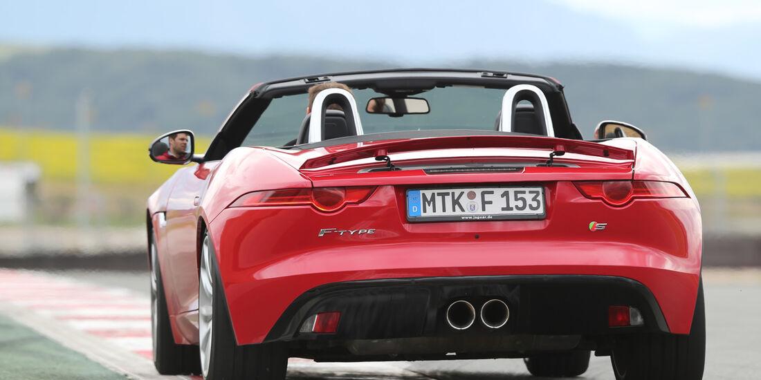 Jaguar F-Type S, Heckansicht