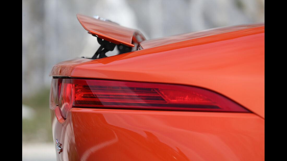 Jaguar F-Type S, Heckspoiler, Heckschürze