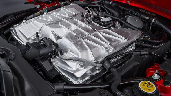Jaguar F-Type SVR, Fahrbericht, 06/2016