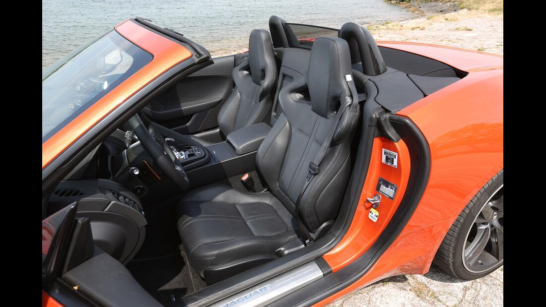 Jaguar F-Type V6 S, Fahrersitz