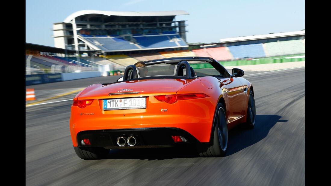 Jaguar F-Type V6 S, Heckansicht
