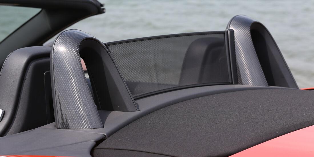 Jaguar F-Type V6 S, Kopfstütze, Windschott