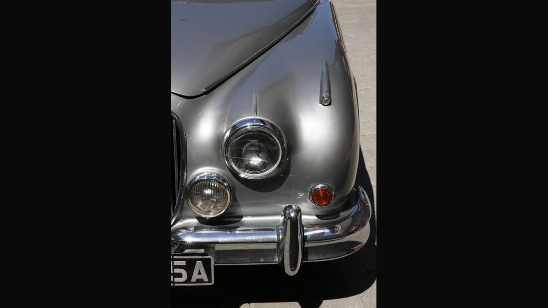 Jaguar MK II, Frontscheinwerfer