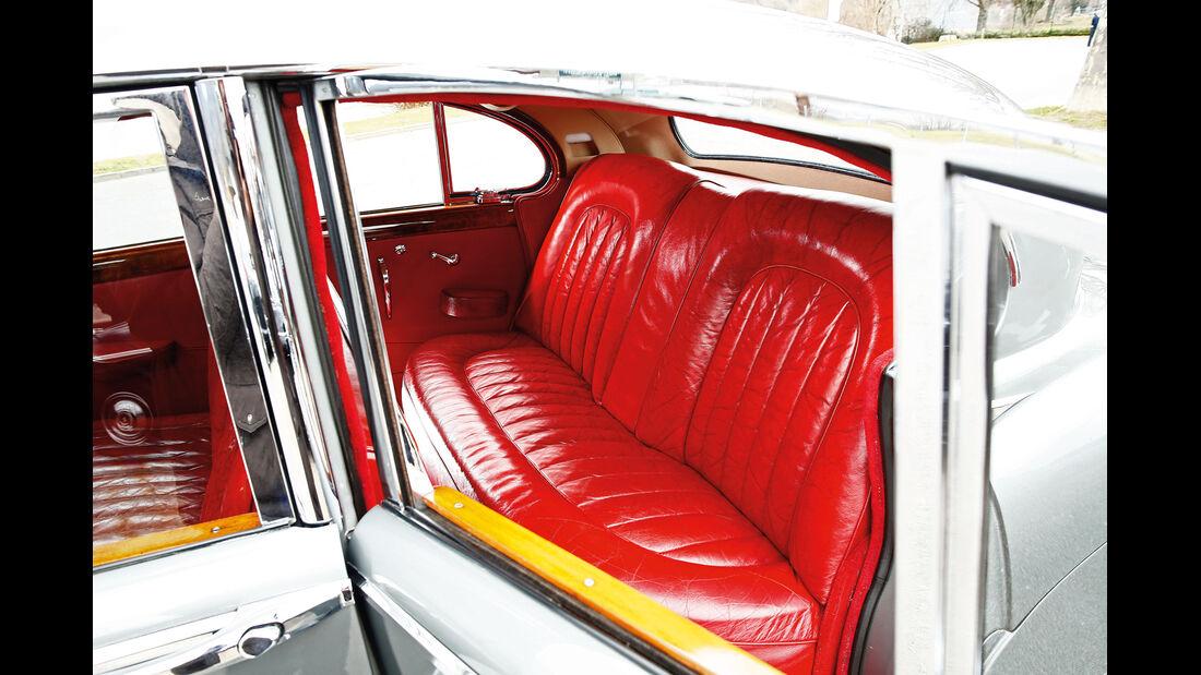 Jaguar MK IX, Fondsitz
