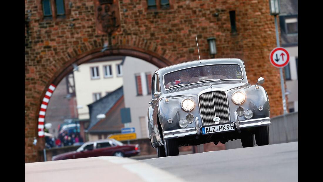 Jaguar MK IX, Frontansicht