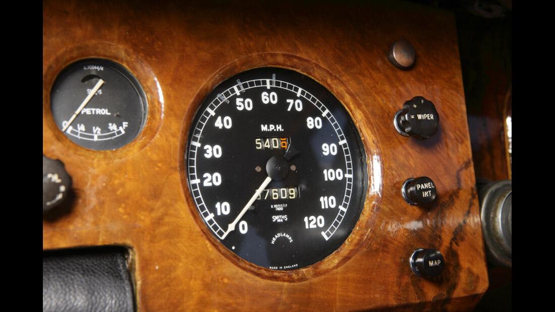 Jaguar Mark VII, Rundinstrument