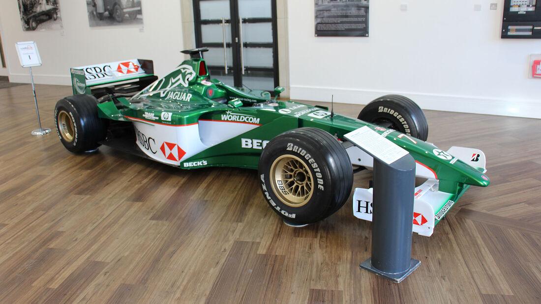 Jaguar R1 F1 Racing Car im British Motor Museum