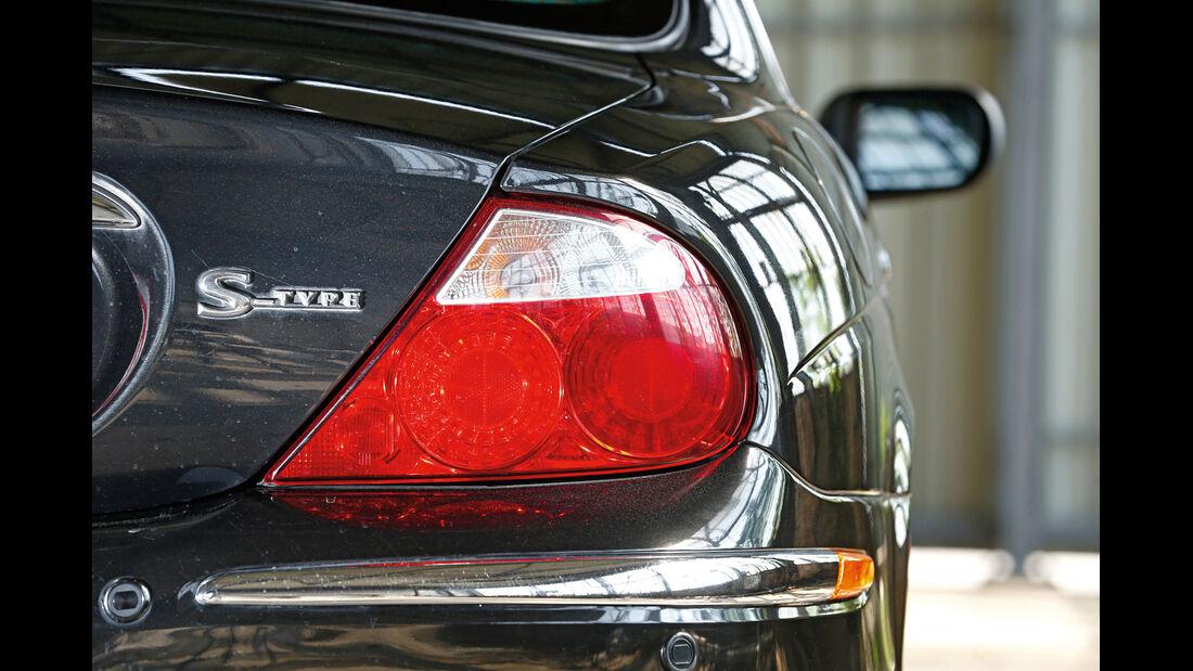 Jaguar S-Type V8, Heckleuchte, Typenbezeichnung