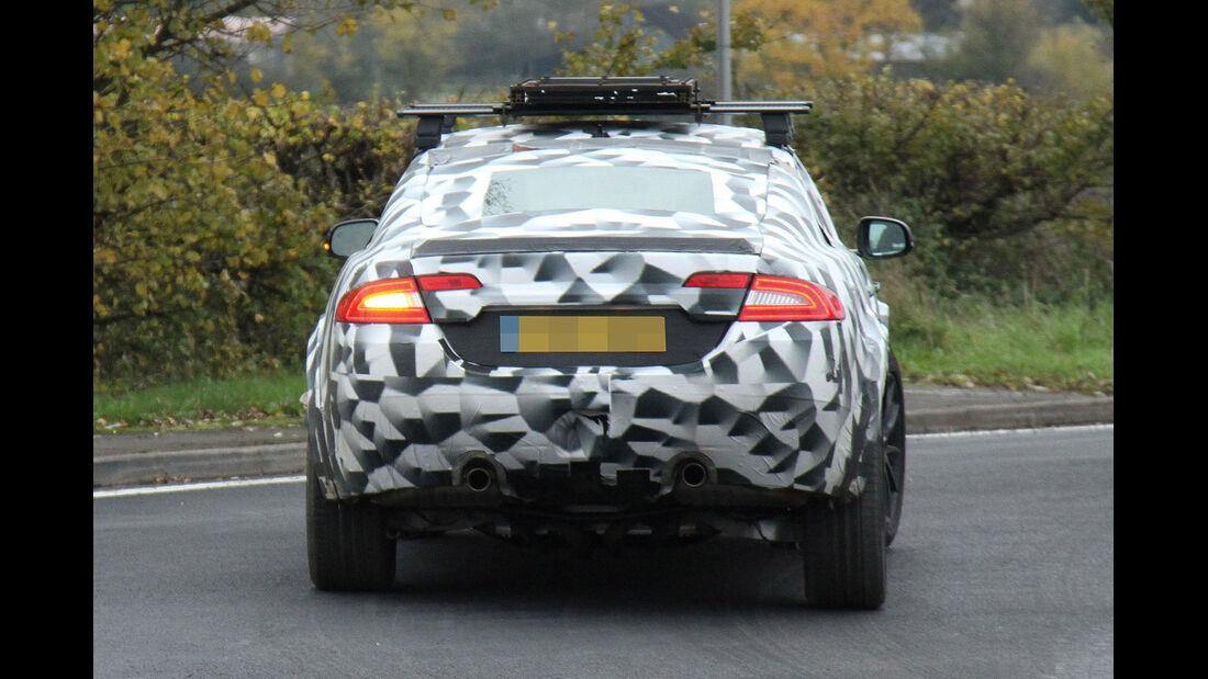 Jaguar SUV Erlkönig Muletto