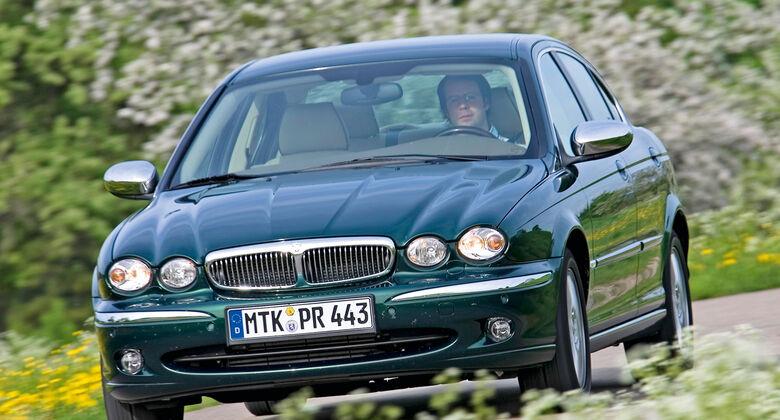 Jaguar X-Type, Frontansicht