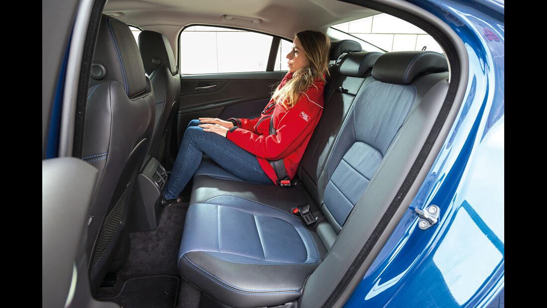 Jaguar XE 20d, Fondsitz, Beinfreiheit