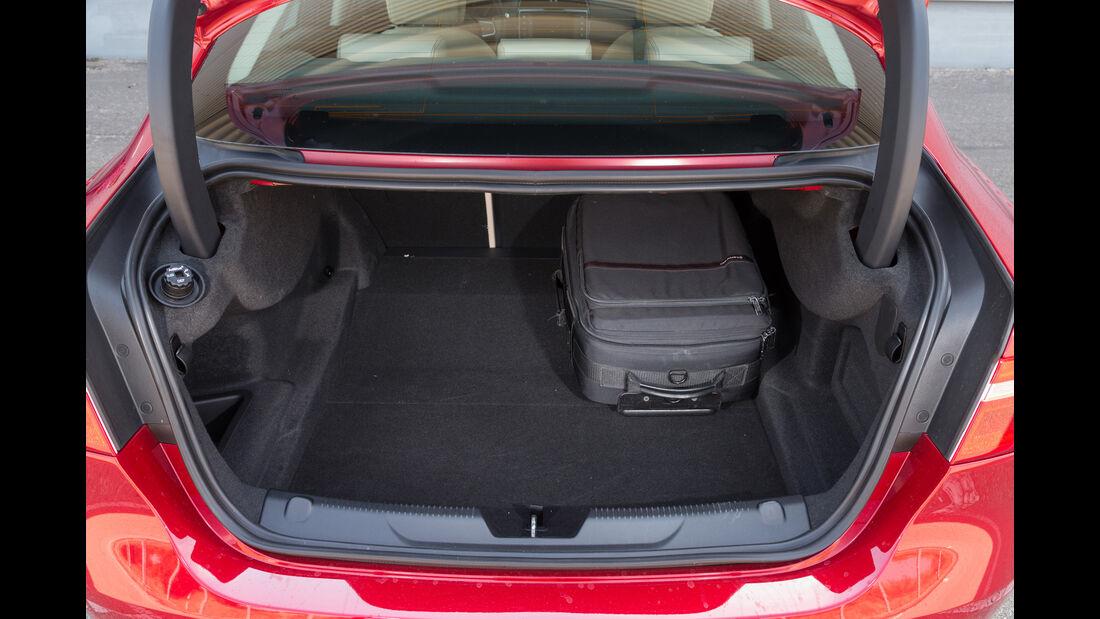 Jaguar XE 20d, Kofferraum