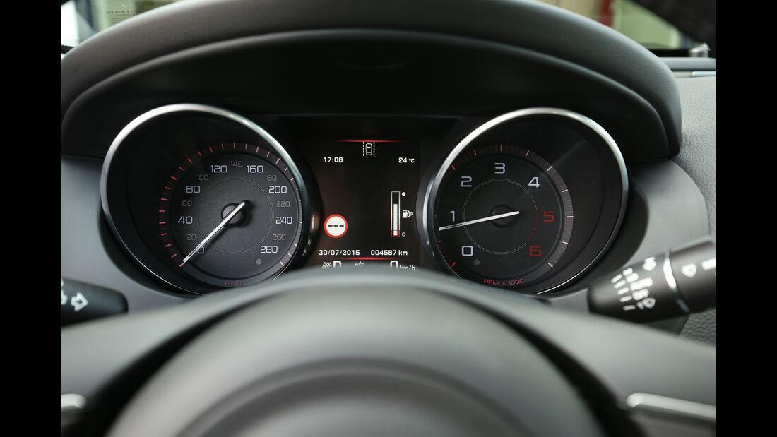 Jaguar XE 20d, Rundinstrumente