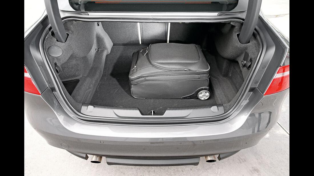 Jaguar XE 25t, Kofferraum
