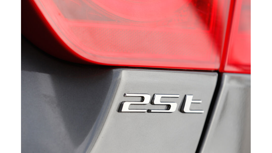 Jaguar XE 25t, Tyenbezeichnung
