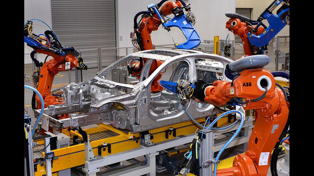 Jaguar XE, Produktion